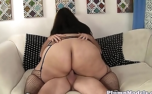 Spex BBW shakes her ass while riding cock
